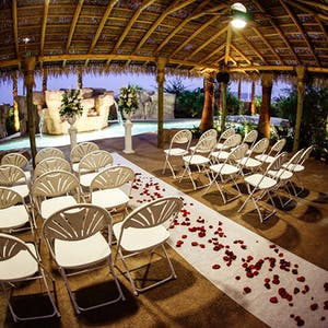 Vegas weddings simple elegant packages from 199 the gazebo wedding venue at the hilton garden inn junglespirit Images