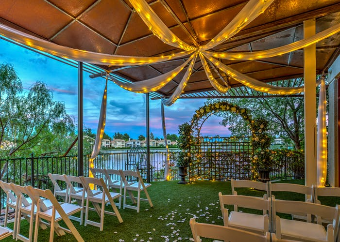 Vegas Weddings By The Lake
