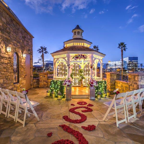 Las Vegas chapels - outdoor gazebo wedding