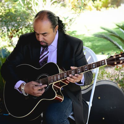 Romantic Acoustic Guitarist Wedding Entertainment