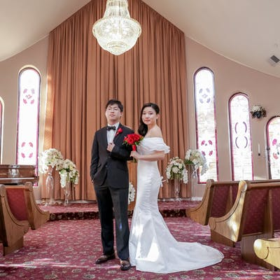 Simplicity Photography Session - Newlyweds in the chapel