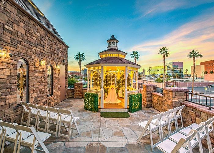 Outdoor Wedding Chapel In Las Vegas