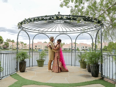 Couple dancing at Vegas Wedding by the Lake
