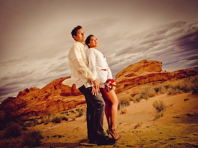 Tall, sexy newlyweds at the Valley of Fire