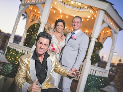 Vegas wedding couple married by Elvis